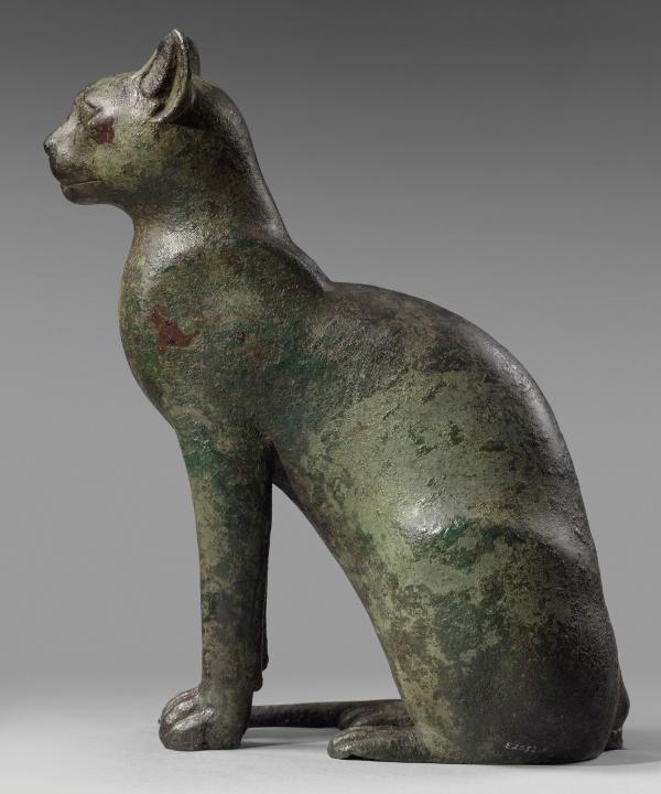 Lito Caramés Estatua-de-gata-sentada-cobre(664-332 a.n.e.)