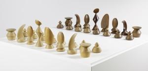 max-ernst_chess-set_1944